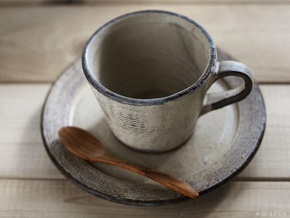 リム皿タイプ カップ&ソーサー 粉引